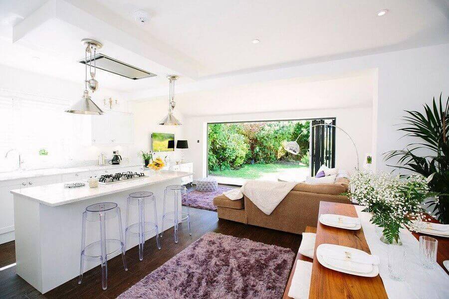 decoração clean para sala e cozinha conceito aberto com ilha Foto Pinterest