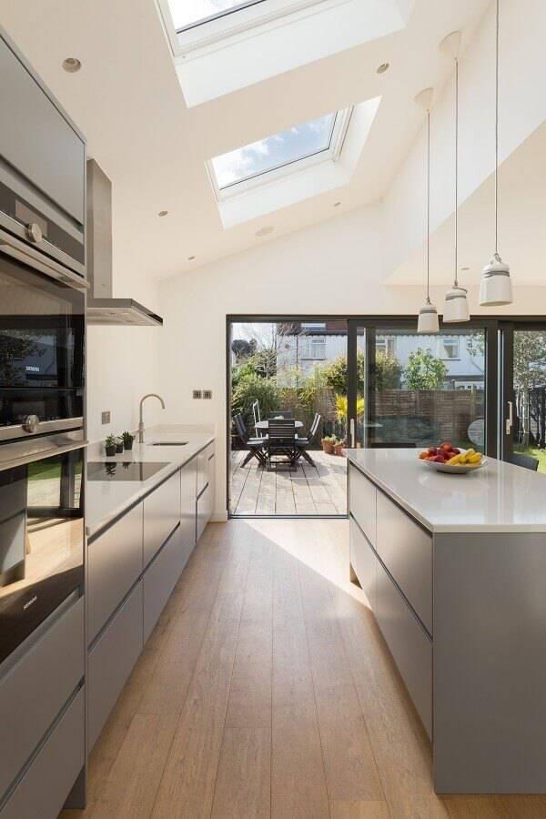 decoração moderna para cozinha planejada grande Foto Pinosy