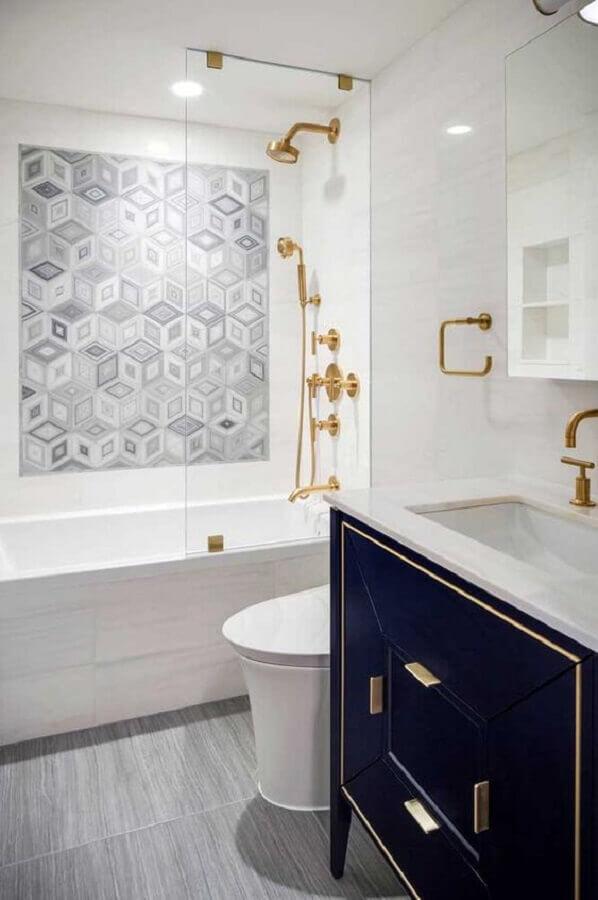 decoração para banheiro branco e azul com detalhes em dourado Foto Ideias Decor