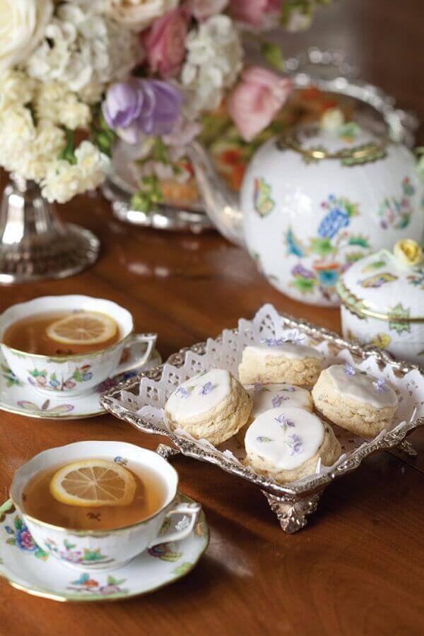 decoração romântica para mesa de café da manhã Foto Pinosy