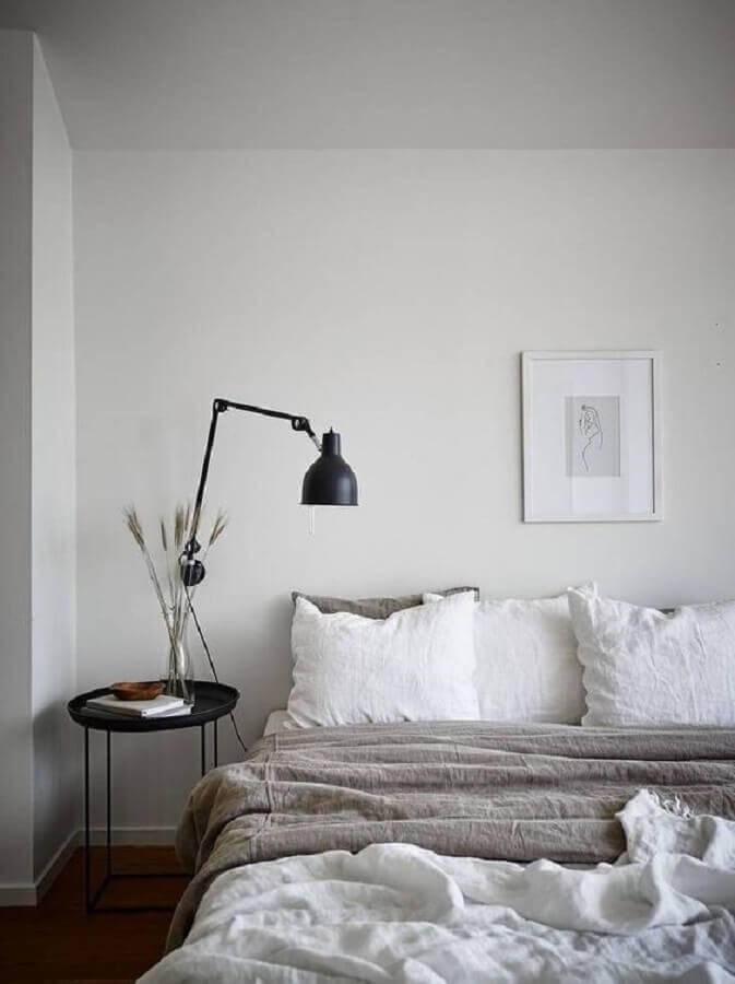decoração simples e minimalista para quarto com mesa de apoio Foto Sweet Home Make