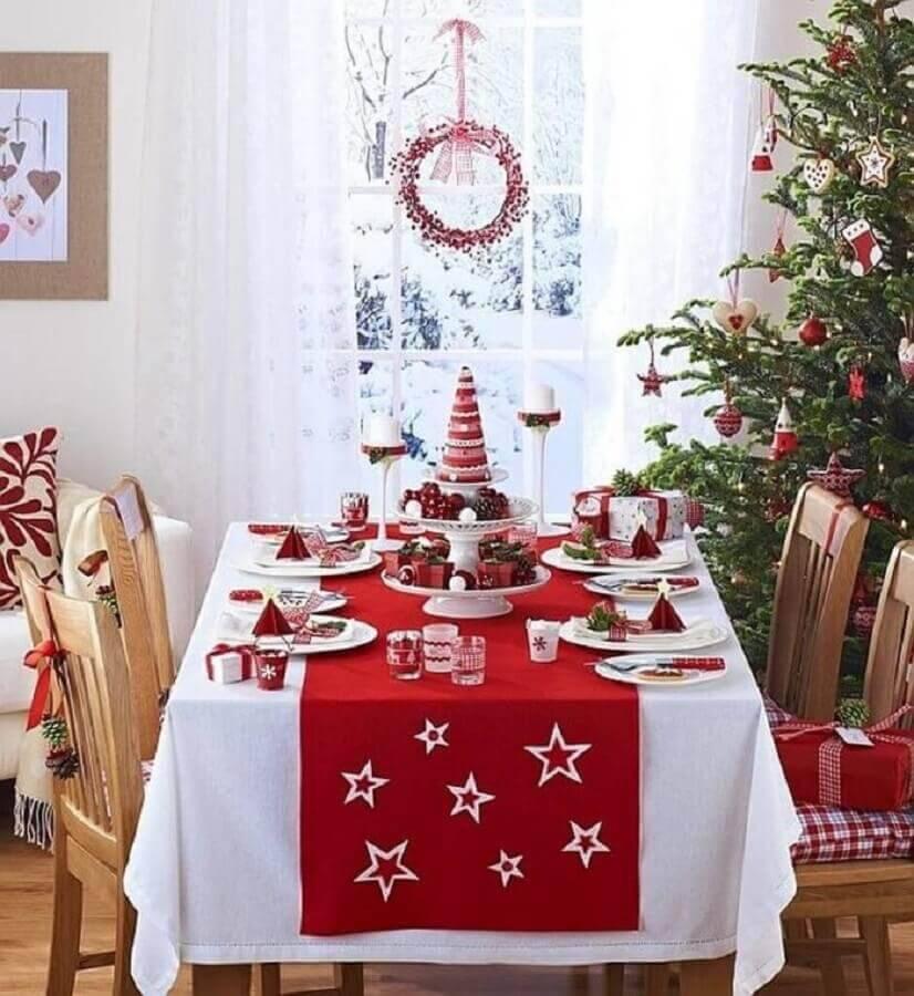 decoração tradicional para mesa de natal