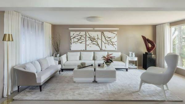 Decoração de sala de estar em cores neutras