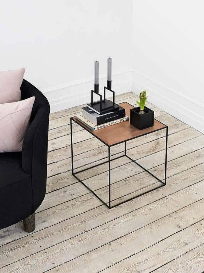 design moderno de mesa de apoio quadrada Foto Architonic
