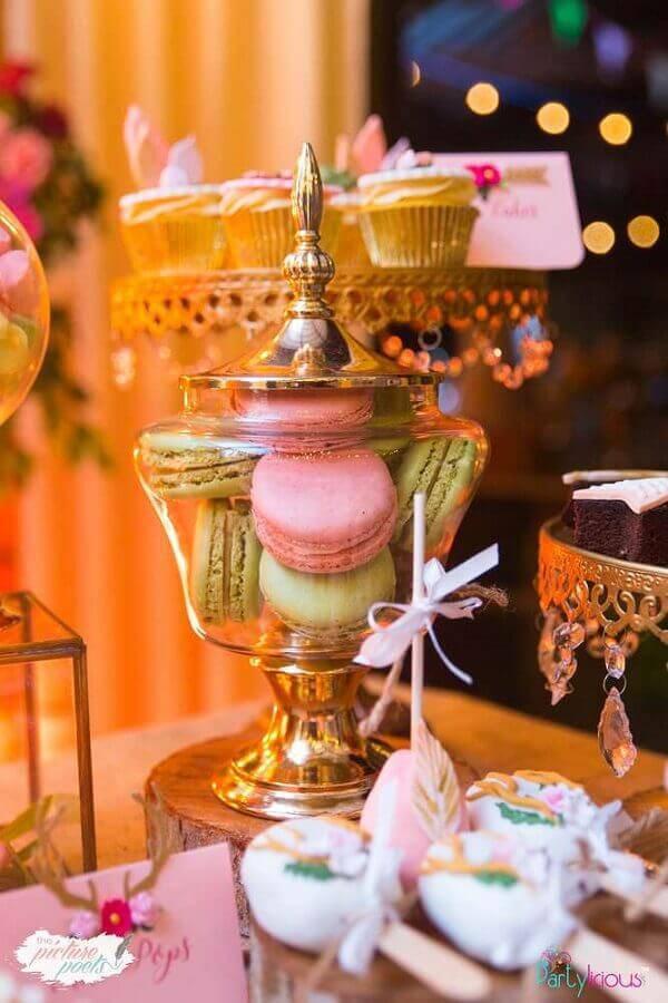 detalhes para decoração de mesa de doces aniversário  Foto Catch My Party