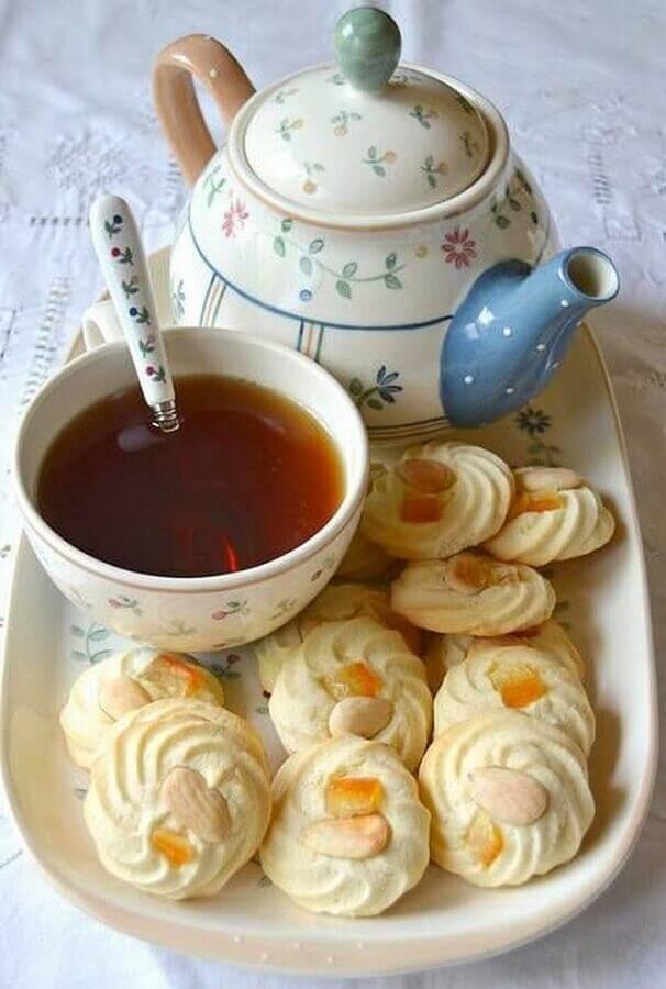 doces e chás para mesa de café da manhã decorada Foto Month of sundaes
