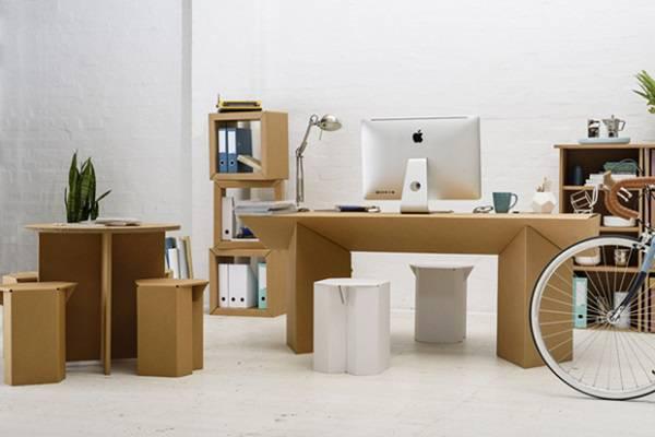 Invista em móveis de papelão e decore de forma descontraída o escritório