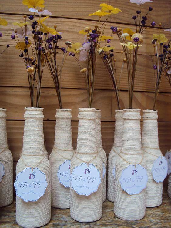 garrafas decoradas com barbante - garrafa como lembrancinha