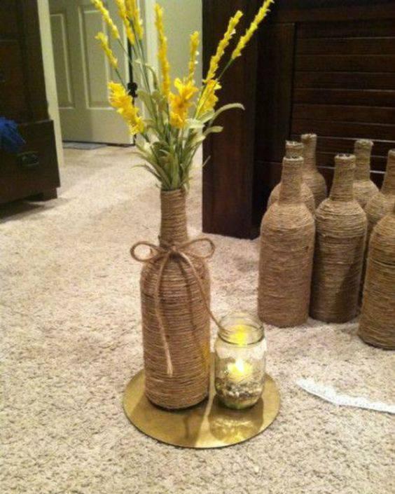 garrafas decoradas com barbante - garrafa de barbante como centro de mesa