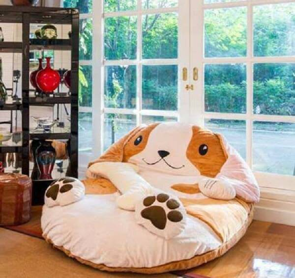 Modelo de puff gigante para dormir em formato de cachorro
