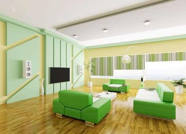 Escritório com decoração criativa em tons de verde