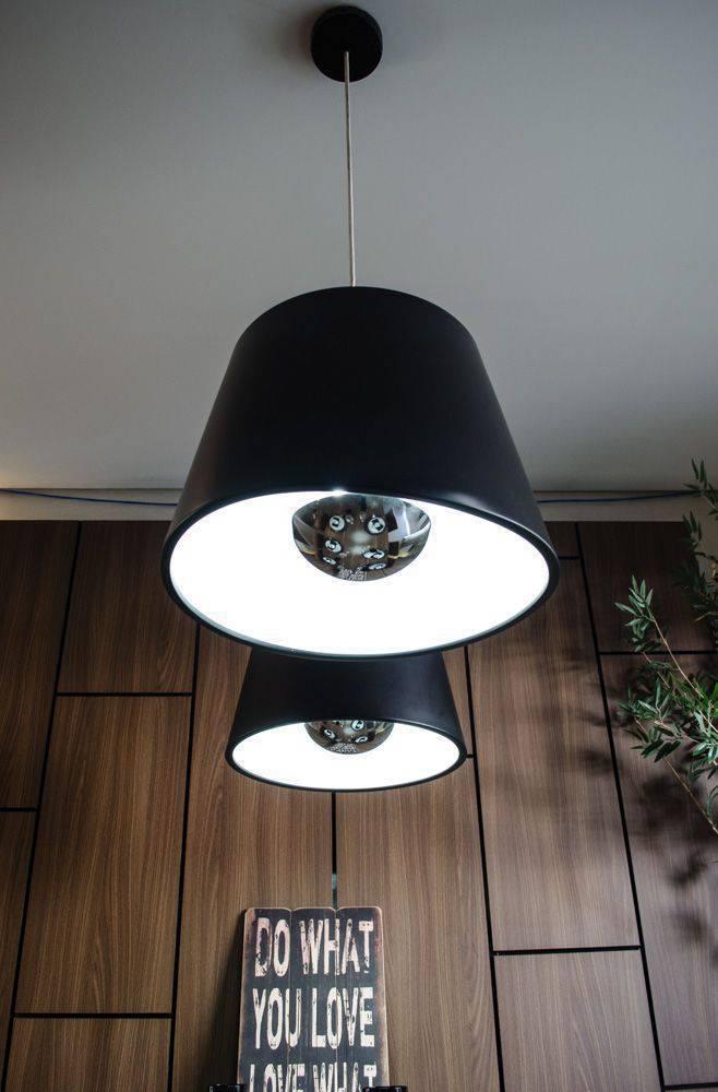 lustres modernos - pendentes pretos com interior branco