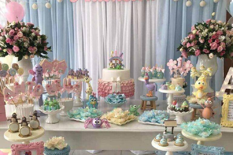 mesa de aniversário decorada em tons pastéis Foto P&A Decor