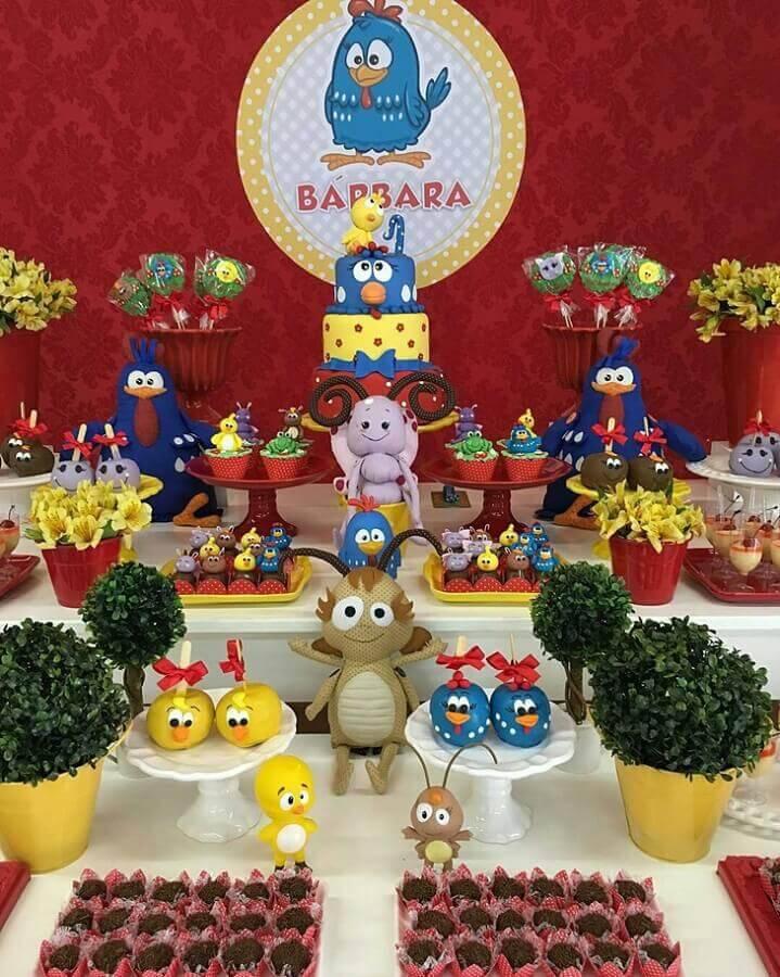 mesa de aniversário decorada galinha pintadinha Foto Festejar com Amor