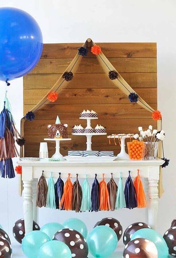 mesa de aniversário simples Foto Taylor'd Events