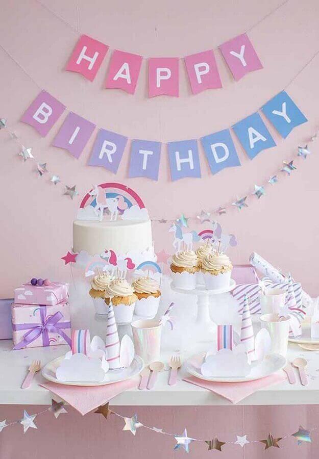 mesa de aniversário simples com tema unicórnio Foto Pinterest