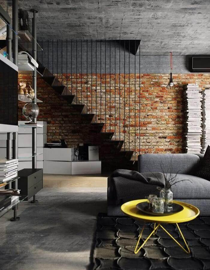 mesa de apoio amarela para sala de estar cinza decorada com estilo industrial Foto Behance