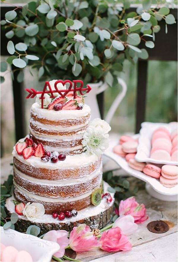Mesa de bolo de casamento naked
