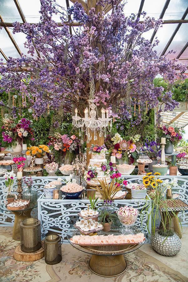 Mesa de bolo de casamento boho chic