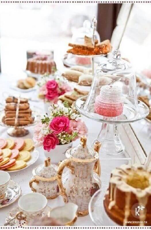 mesa de café da manhã chique com estilo clássico Foto Yamileth Taylor