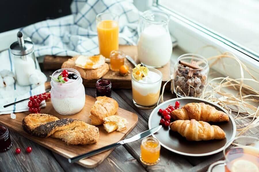 mesa de café da manhã decorada rústica Foto Homepedia