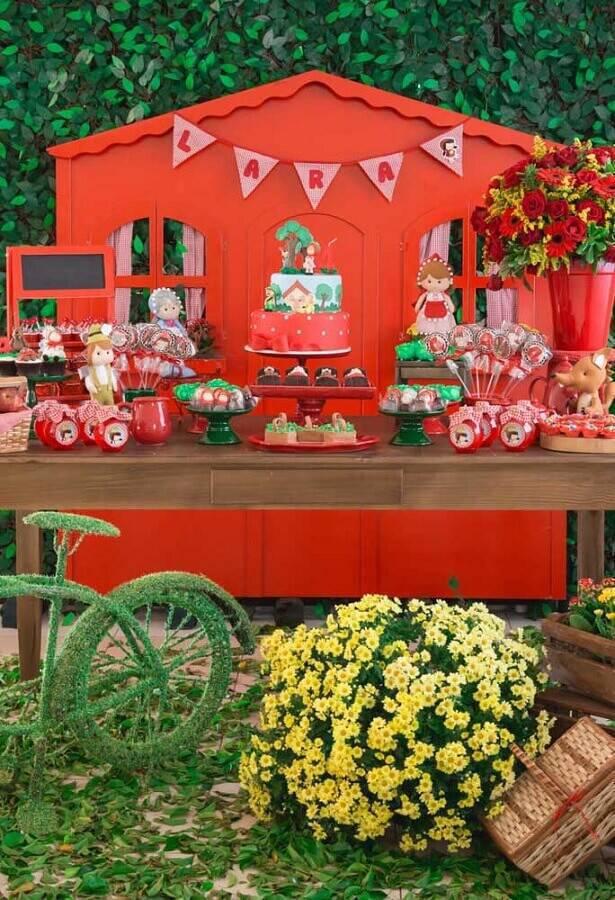 mesa de festa de aniversário Foto Pinosy