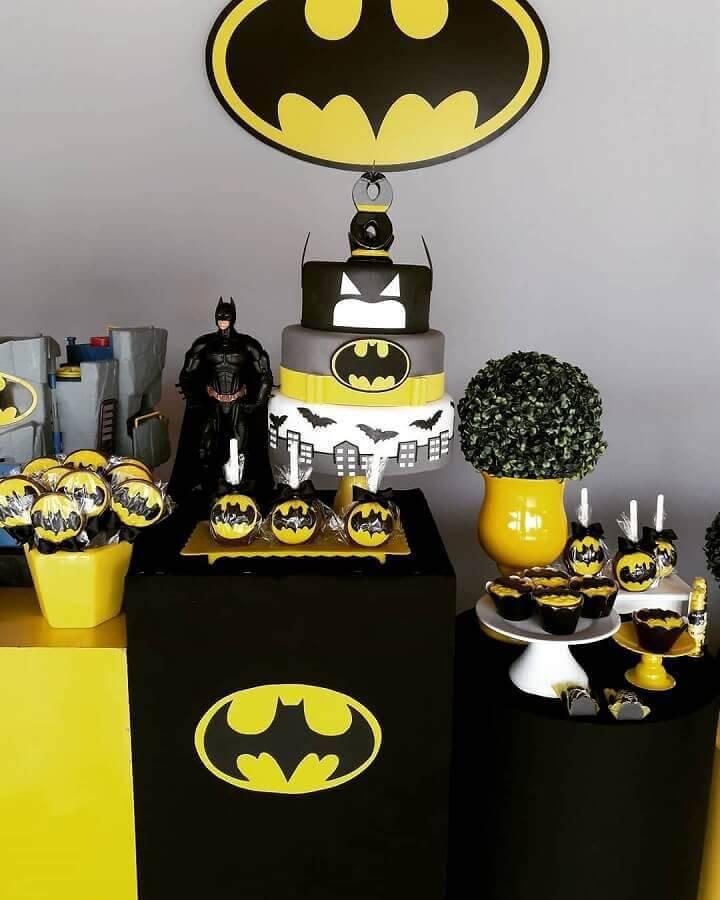 mesa para festa de aniversário  do batman  Foto Douglas Lopes