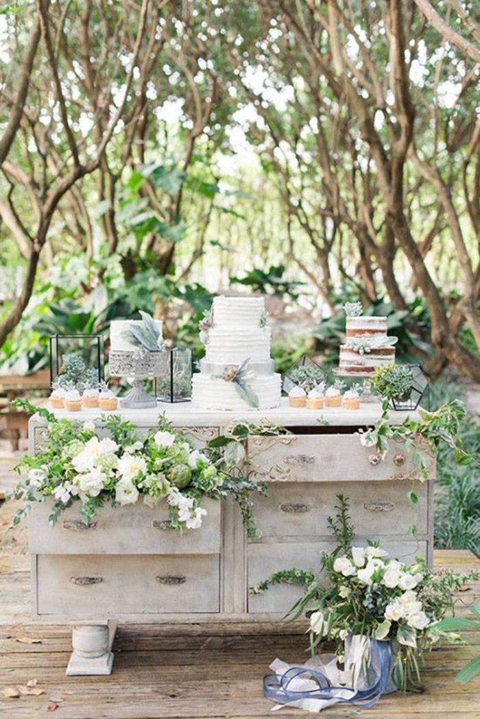 Mesa rústica para bolo de casamento