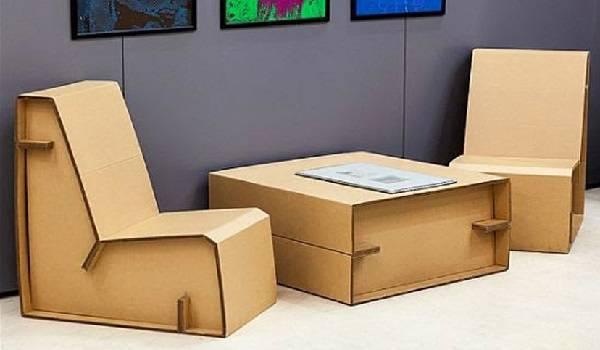 Invista em móveis de papelão para a sala