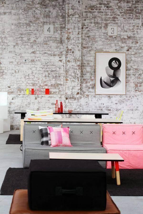 modelo simples de sofá sem braço Foto Pinosy