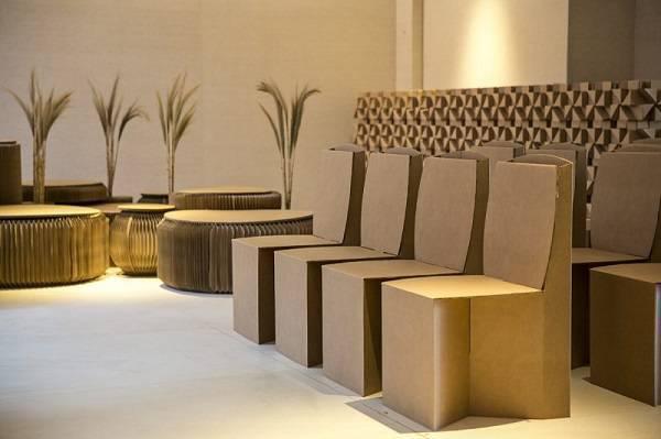Os móveis de papelão são versáteis e podem ser usados na decoração de eventos