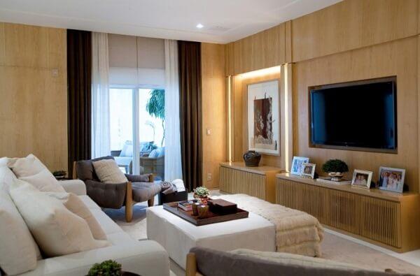Poltronas para sala de tv com tecido cinza e acabamento em capitonê