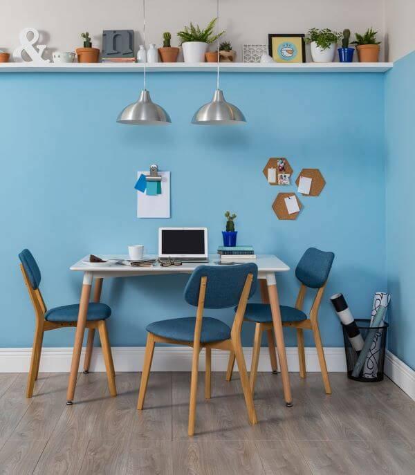 Parede azul para escritório