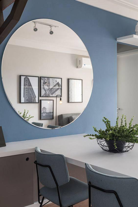 parede azul em ambientes pequenos
