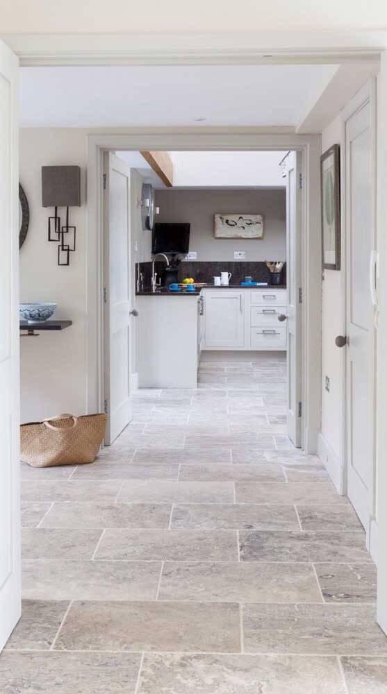 Pedra mineira na cozinha e sala de estar
