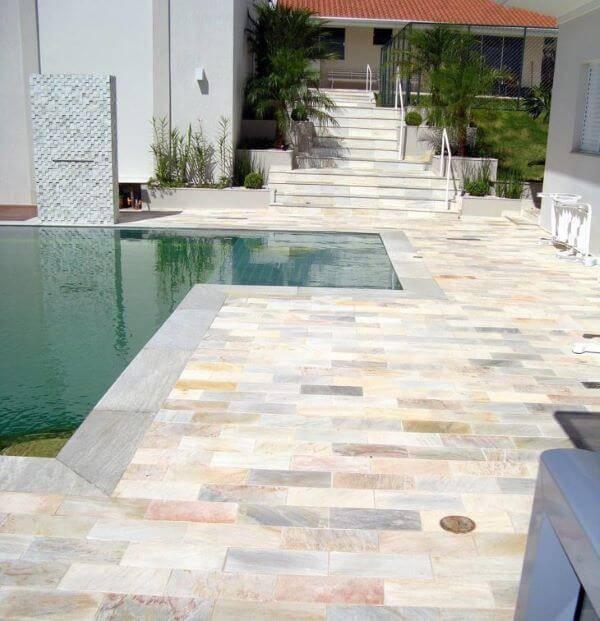Pedra mineira para piscina