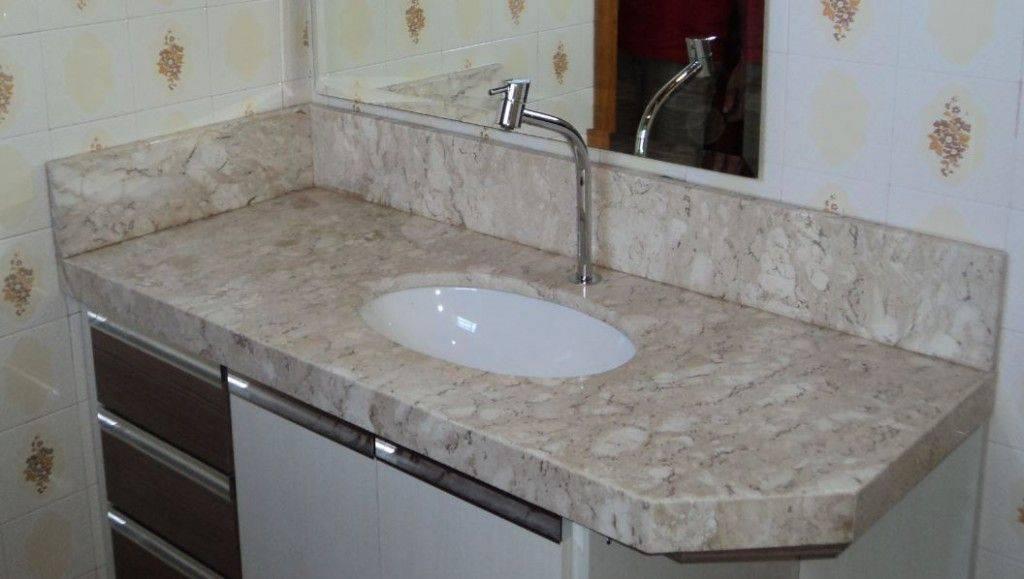 pia de granito - banheiro com pia clássica