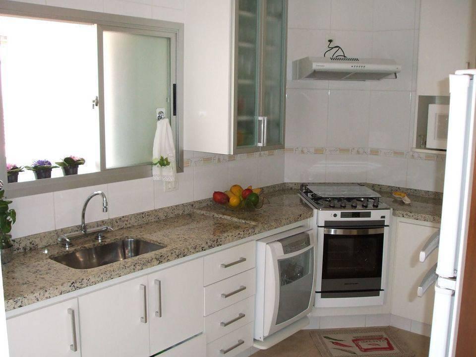 pia de granito - cozinha branca com bancada de granito