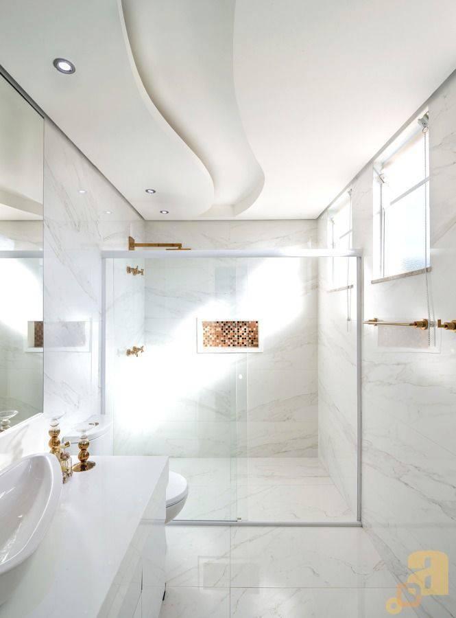 porcelanato branco - ambiente com decoração sofisticada e piso branco