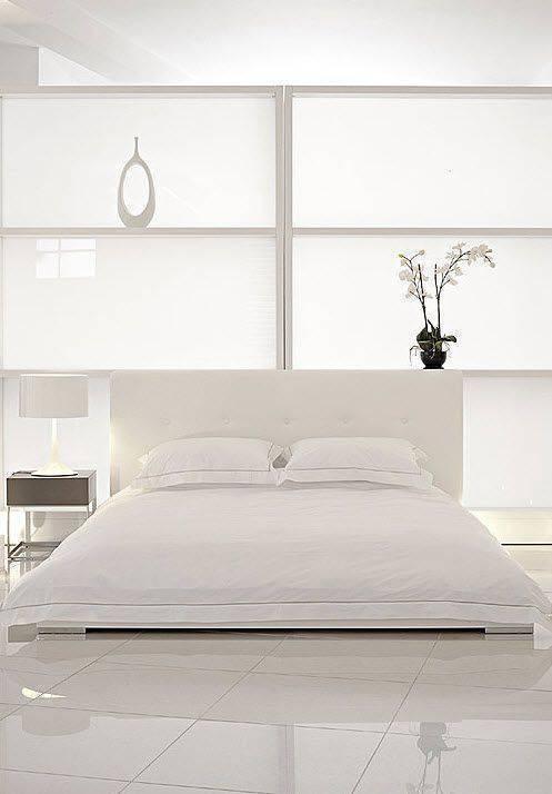 porcelanato branco - quarto branco com porcelanato branco