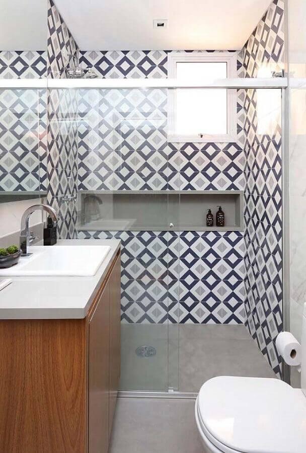 revestimento estampado para decoração de banheiro pequeno planejado Foto Pinterest