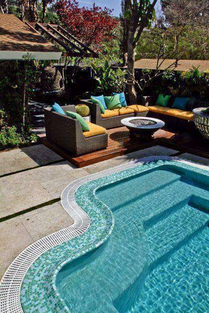 revestimento para piscina - piscina com pastilha verde