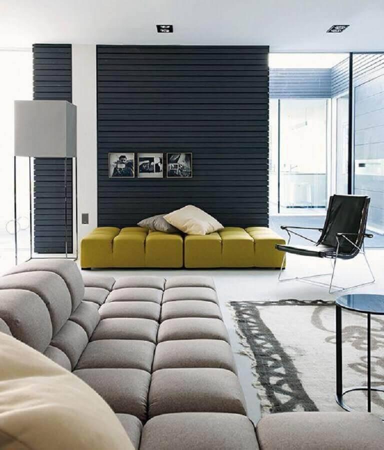sala com sofá sem braço moderno Foto Pinterest