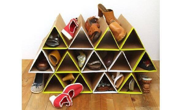 Modelo de sapateira feita com papelão