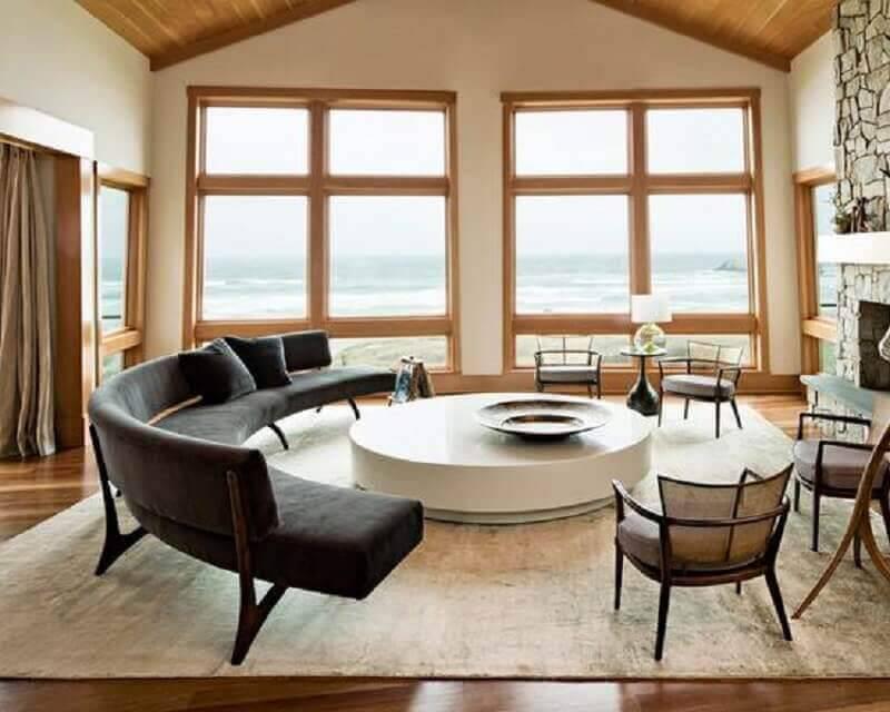 sofá sem braço moderno com acabamento arredondado Foto Tanisha Cherry