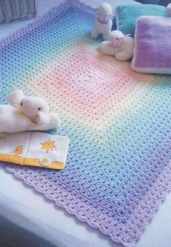 Tapete de crochê para quarto de bebê