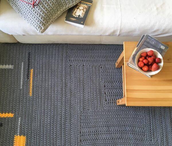 Tapete de crochê grande e quadrado para sala