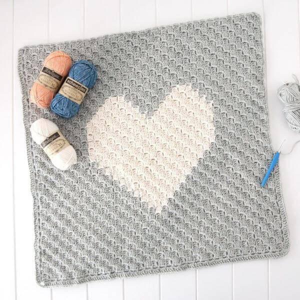 Tapete de crochê quadrado para cozinha com formato de coração