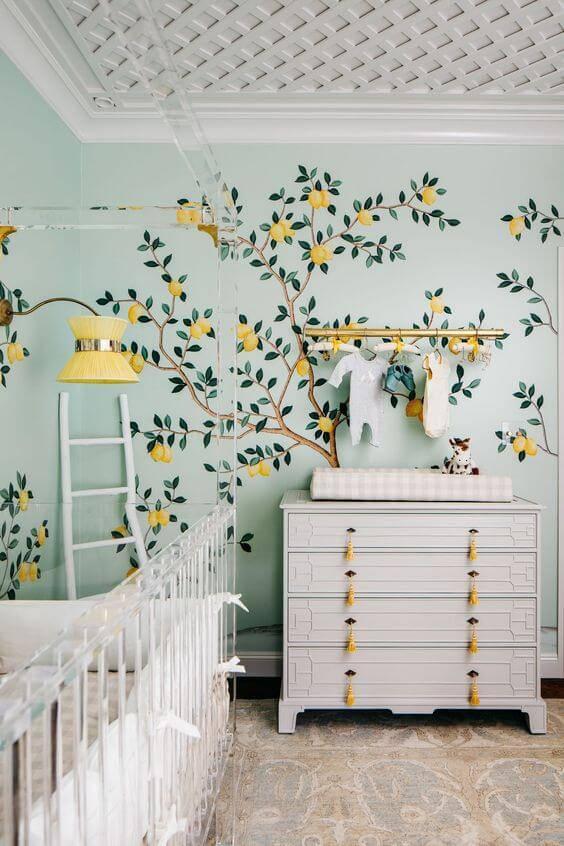 Temas para quarto de bebê com detalhes em amarelo e azul