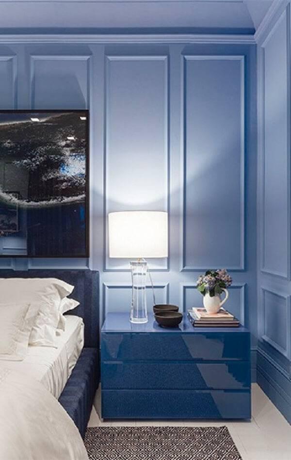 O abajur ou luminária se torna um grande aliado na decoração desse cômodo